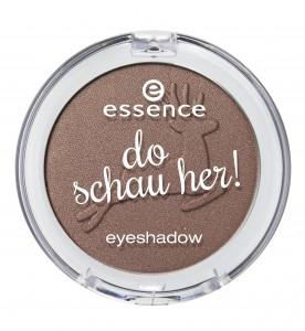 ess_do schau her eyeshadow_01.jpg