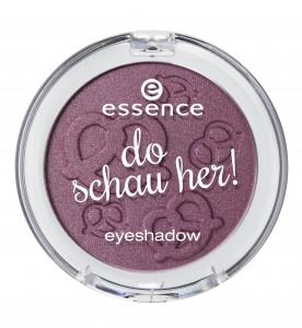 ess_do schau her eyeshadow_03.jpg